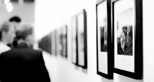 Operations Intern in a Gallery