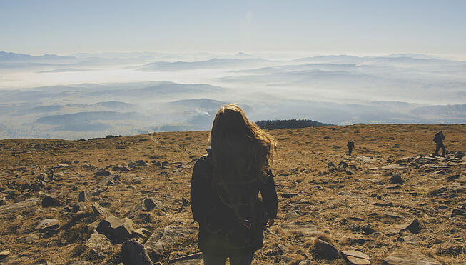 Landscape-Girl-Mountain.jpg