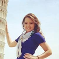 Morgan visting the leaning tower of Pisa