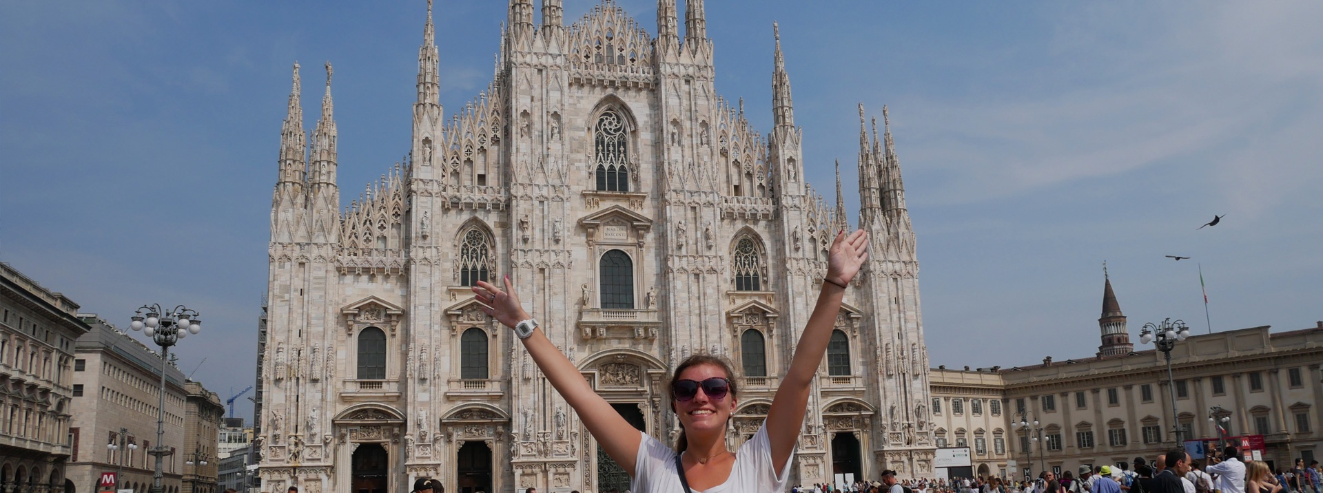Milan intern standing in front of the Duomo di Milano