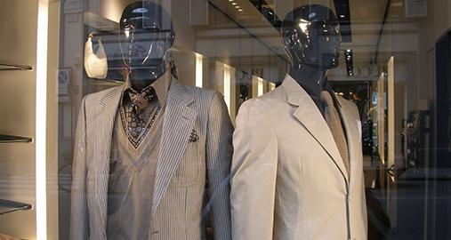 Internationally Recognized Fashion Company