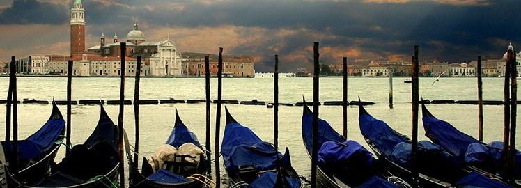 Venice-gondolas.jpg